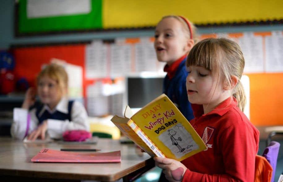 Certains demandeurs estiment que les manuels d'histoire utilisés par les écoles publiques sont subjectifs.