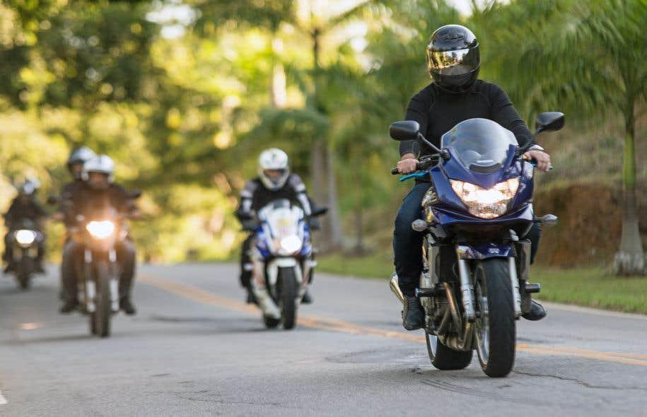 Sans remettre en question la formation de base, le directeur de la Fédération motocycliste du Québec, Jean-Pierre Fréchette, croit qu'une formation continue réduirait le nombre d'accidents.