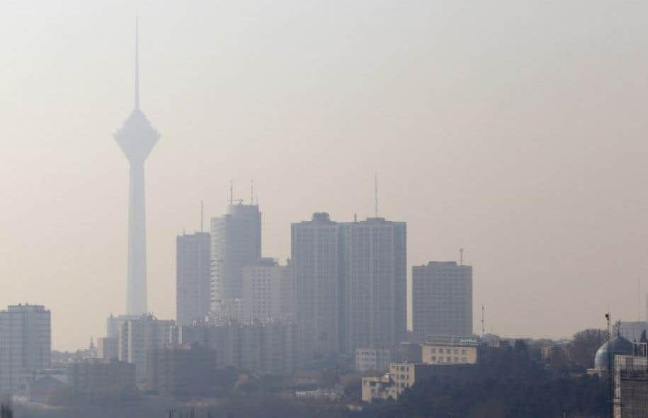 La concentration en particules fines (PM2,5) est montée dimanche matin jusqu'à 185 microgrammes par mètre cube dans le sud de Téhéran et 174 dans le centre.