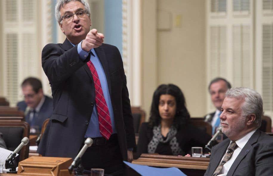 Le silence de son accusateur rend le ministre Jean-Marc Fournier furieux, et il exige des excuses publiques.