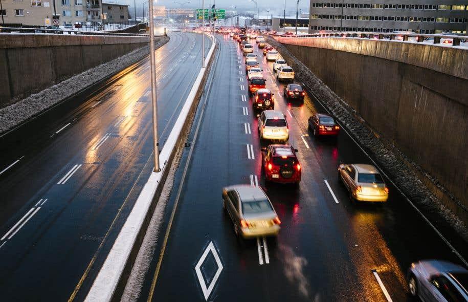 La population de Québec estime que la congestion routière et la «déficience» du système actuel de transport en commun de la capitale sont très problématiques.