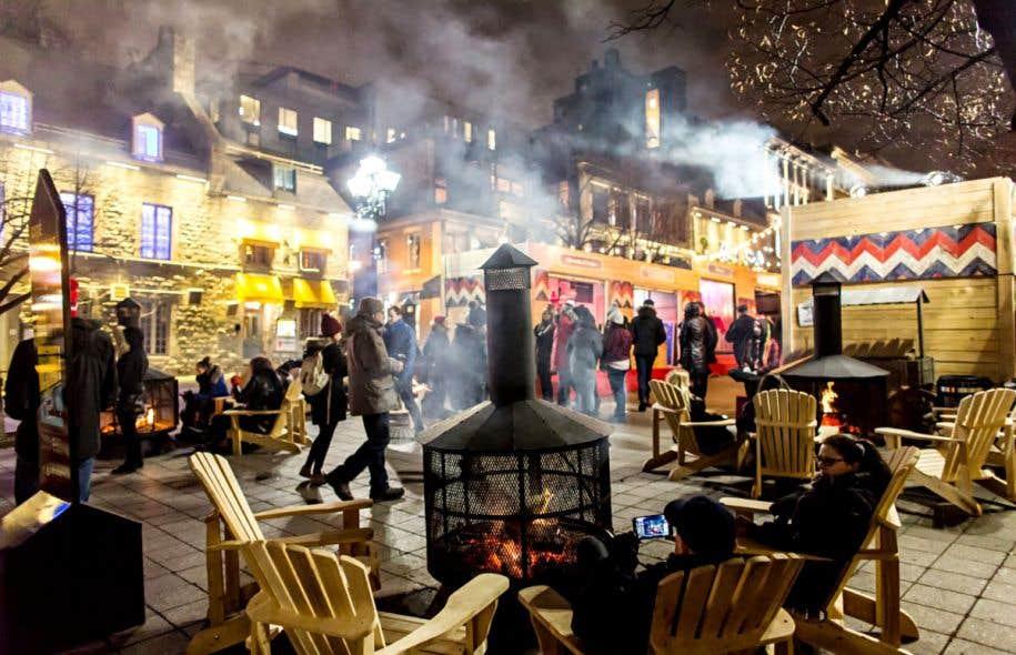 Pendant le temps des Fêtes, la place Jacques-Cartier se réinvente en Place nordique, un minivillage où on pourra déguster bières artisanales et boissons chaudes autour de feux de bois.