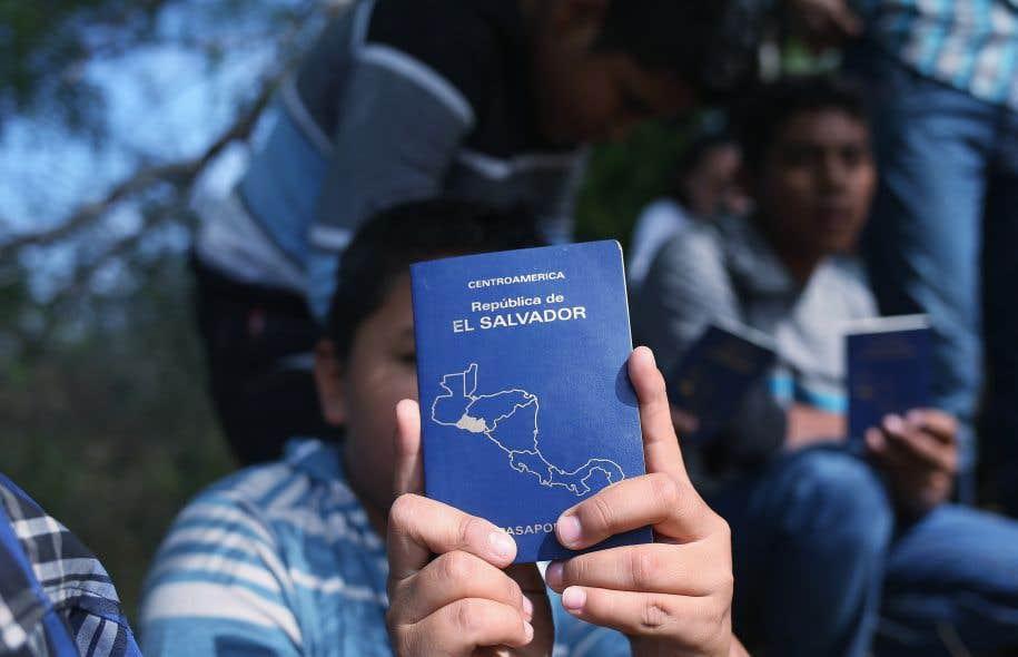 Les immigrants salvadoriens bénéficient depuis 2001 d'une protection temporaire qui leur permet de rester aux États-Unis sans craindre la déportation.