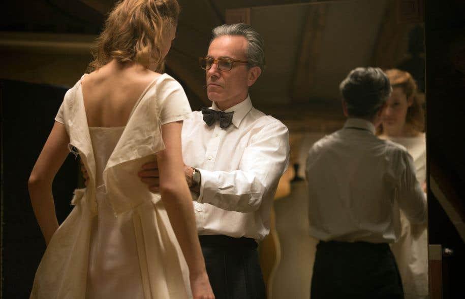 Une scène tirée du film «Le fil caché», de Paul Thomas Anderson, avec Daniel Day-Lewis et Vicky Krieps
