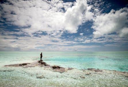Comme des millions d'humains, les habitants de la Polynésie française sont menacés par la montée du niveau de la mer et autres tempêtes tropicales. Sur notre photo, l'atoll de Toau.<br />