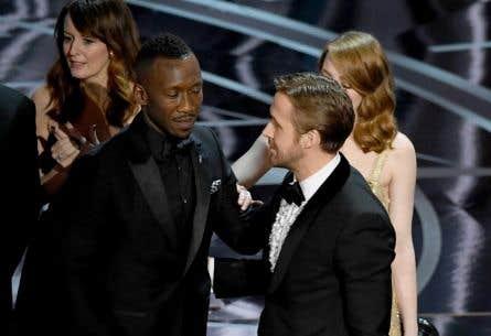 Un imbroglio a causé la surprise en fin de soirée aux Oscar, alors que «La La Land» s'est vu décerner, à tort, l'Oscar du meilleur film. C'est finalement «Moonlight» qui repart avec cet honneur.