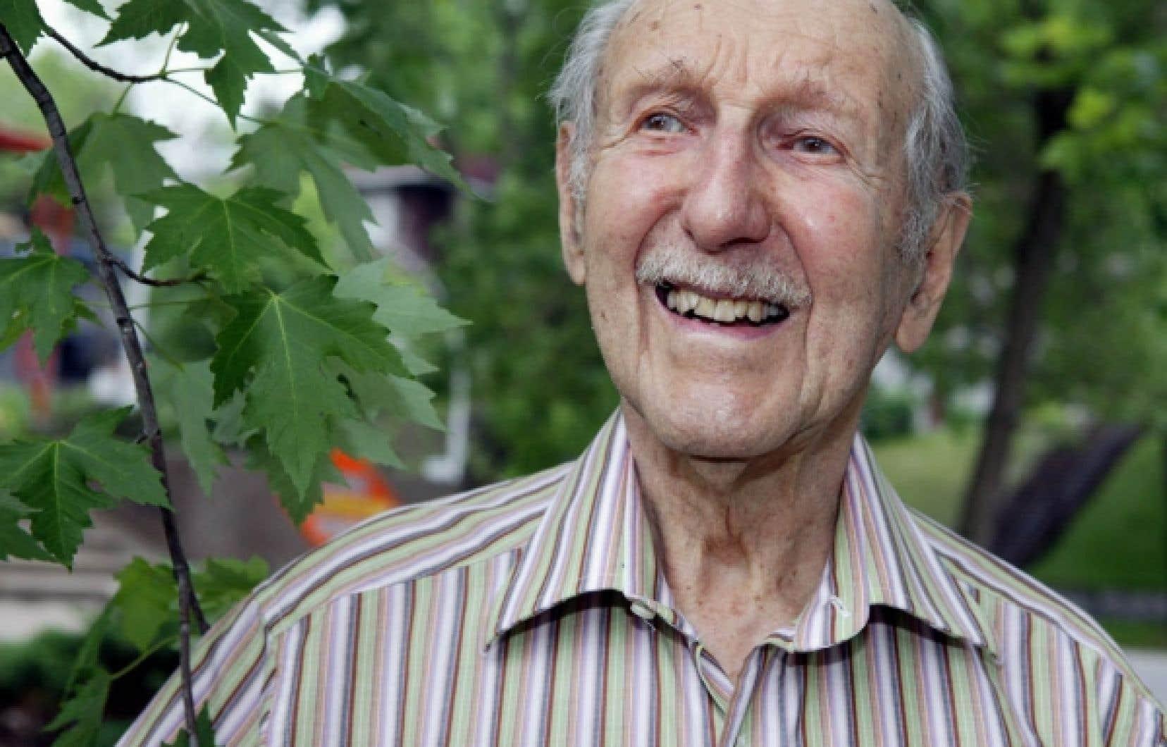 Pierre Dansereau en 2006. Le scientifique qu&eacute;b&eacute;cois, pionnier de l&rsquo;&eacute;cologie &agrave; l&rsquo;&eacute;chelle mondiale, s&rsquo;est &eacute;teint hier &agrave; Montr&eacute;al. Il aurait eu 100 ans mercredi prochain.<br />
