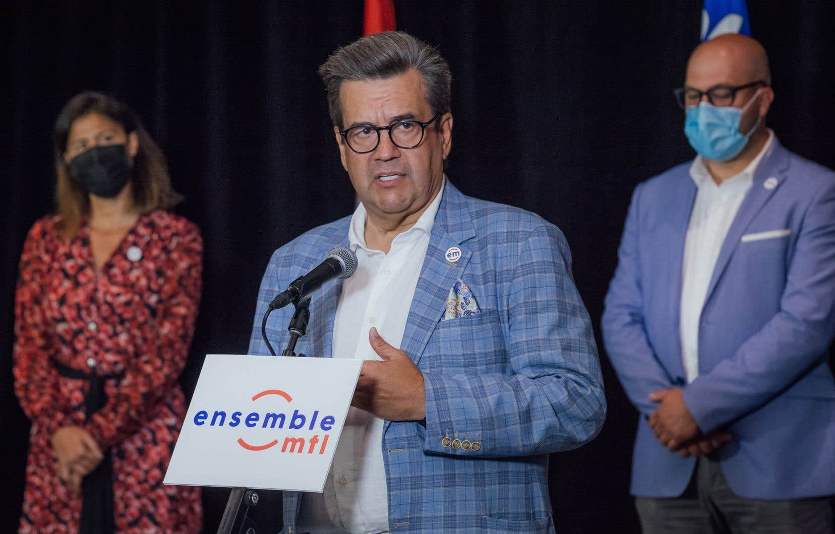 Denis Coderre a affirmé jeudi que tous ses candidats étaient déjà vaccinés, à l'exception de l'un d'entre eux qui n'a pas encore reçu sa deuxième dose pour des raisons médicales.