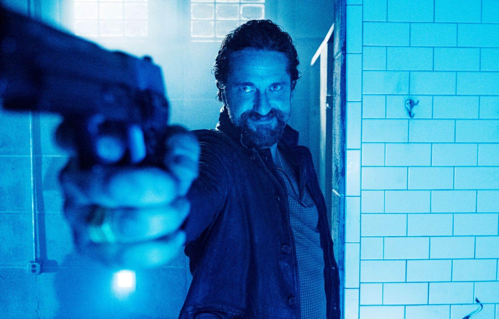 Une grosse partie du «fun» émane en l'occurrence du spectacle qu'offre Gerard Butler en tueur déterminé.