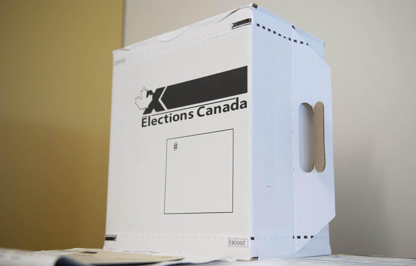 Le 20septembre au soir, une fois que les bureaux de scrutin seront fermés, les employés d'Élections Canada commenceront par dépouiller les votes par anticipation et ceux des gens qui ont voté en personne le jour même.