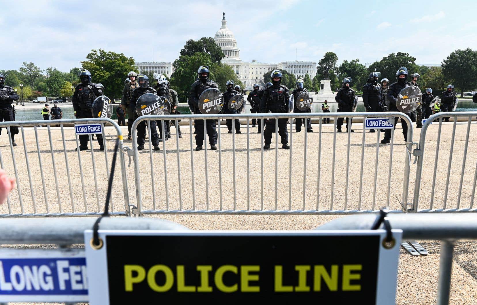 Le service de police du Capitole n'a couru aucun risque, déployant des centaines d'agents qui ont été dépêchés à Washington pour éviter les débordements.