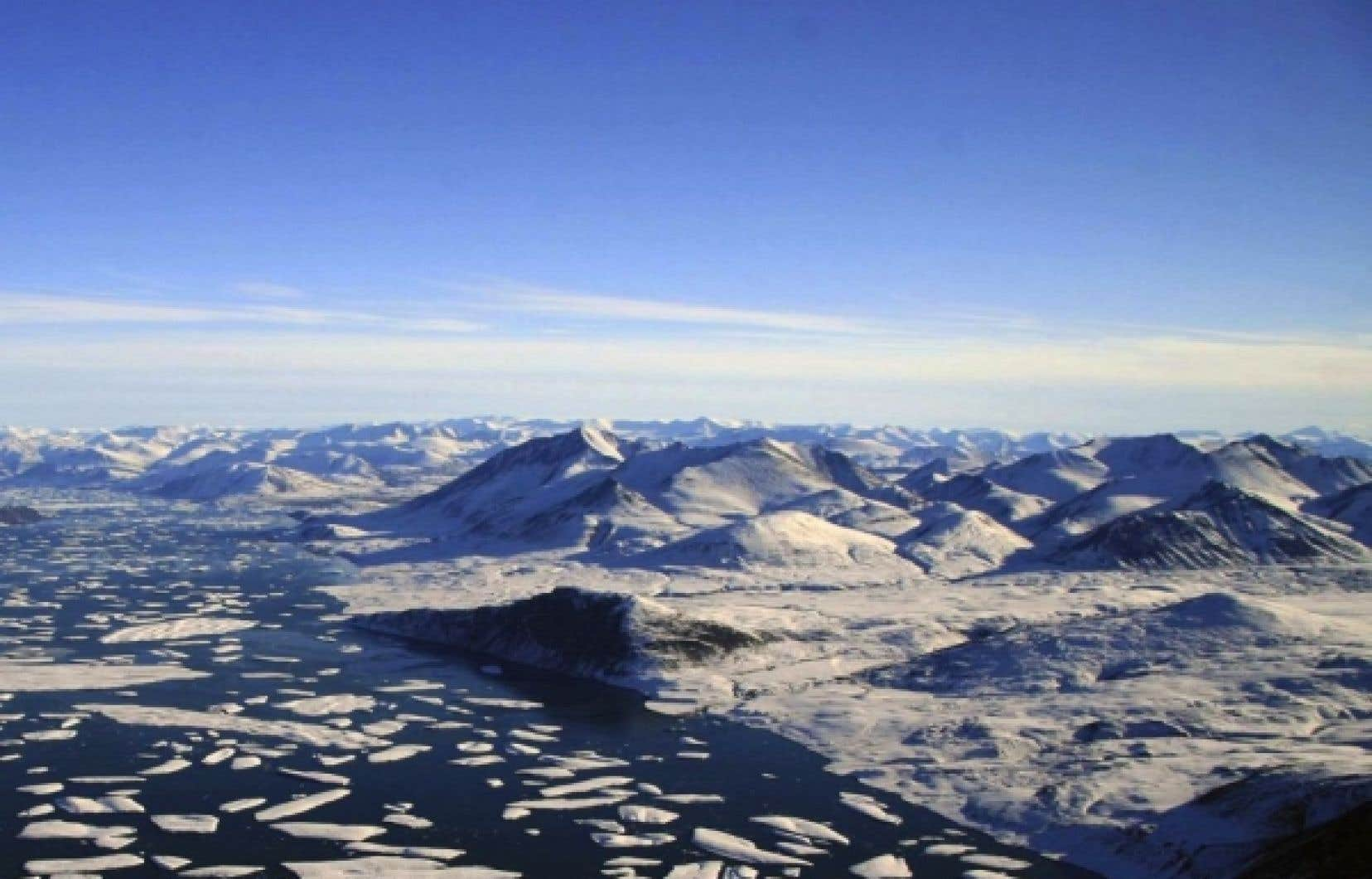 La couche d'ozone au dessus de l'Arctique serait fortement dégradée.<br />
