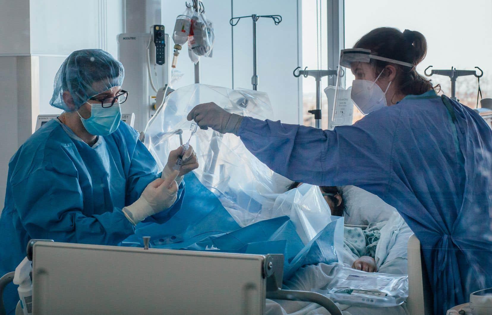Il manque présentement 4000 infirmières dans le réseau public.