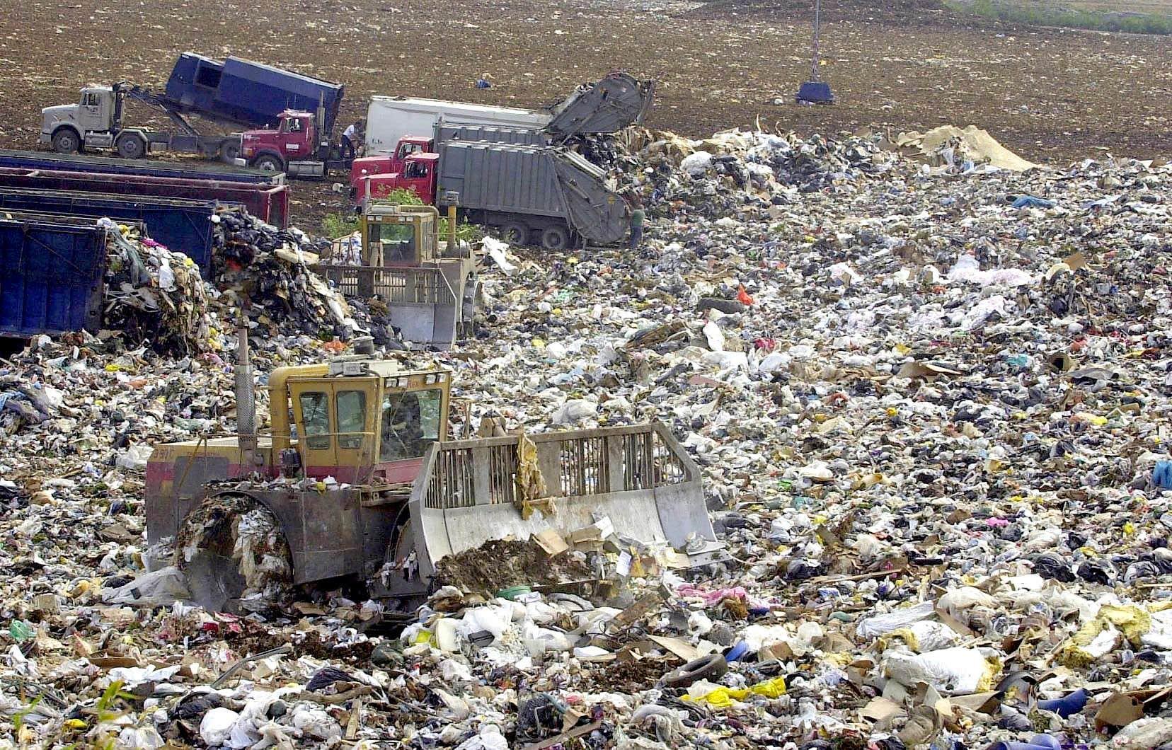 Selon les données de Recyc-Québec, les Québécois ont généré 697 kilogrammes de déchets par habitant en 2018.