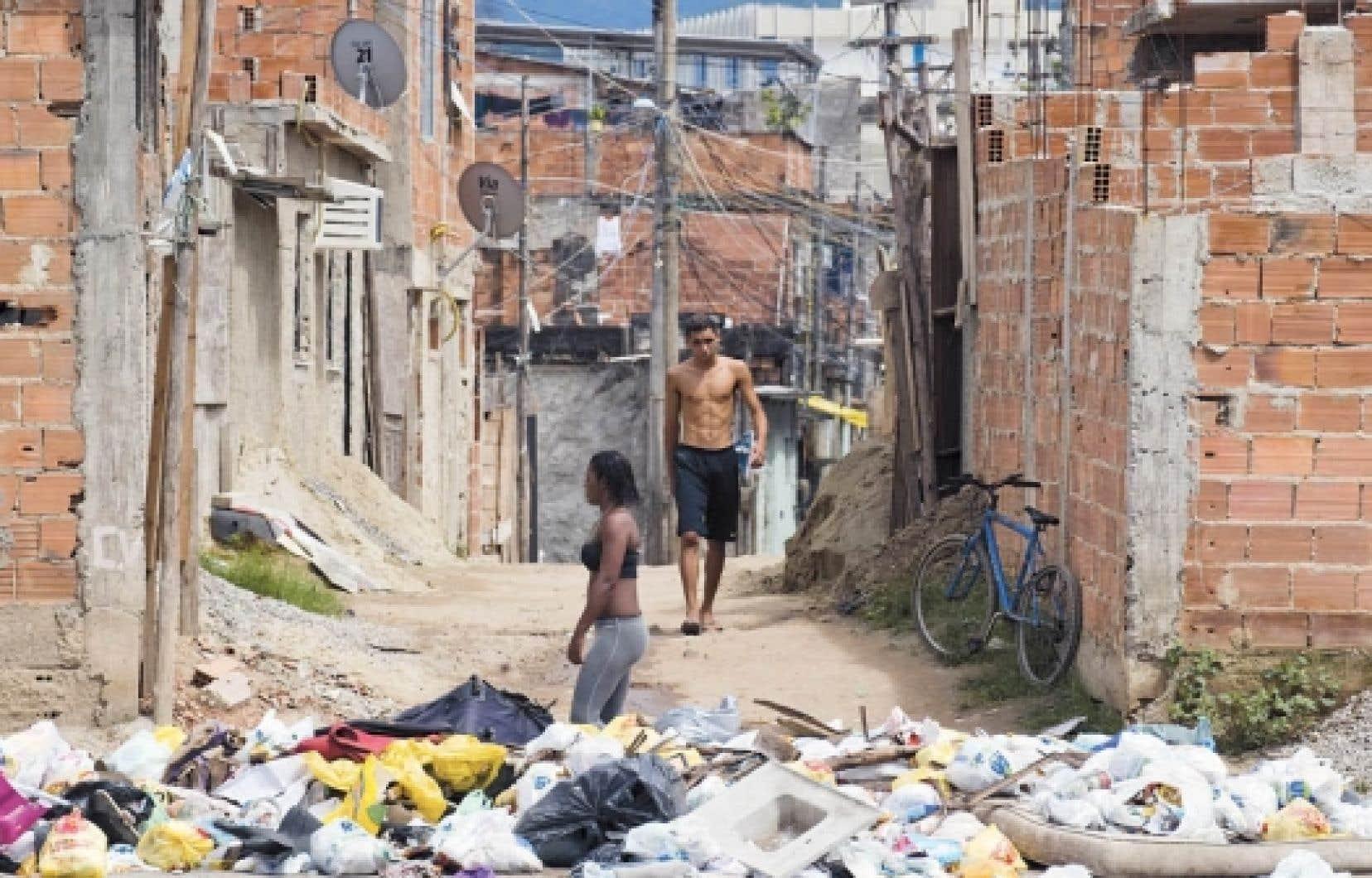 Bien que la situation &eacute;volue favorablement, il reste encore 16 millions de Br&eacute;siliens qui vivent toujours dans le besoin.<br />