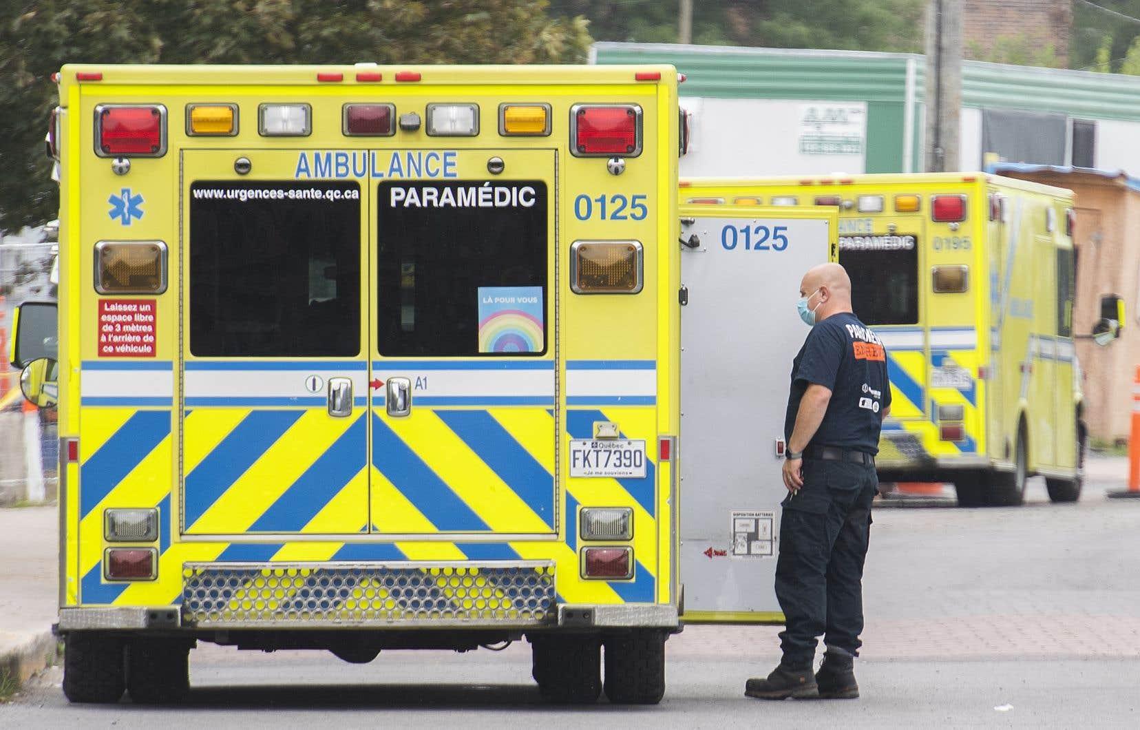 Pour l'ensemble du pays qui compte plus de 27600 morts, le taux de décès par habitant de la COVID-19 est d'un Canadien sur 1388.