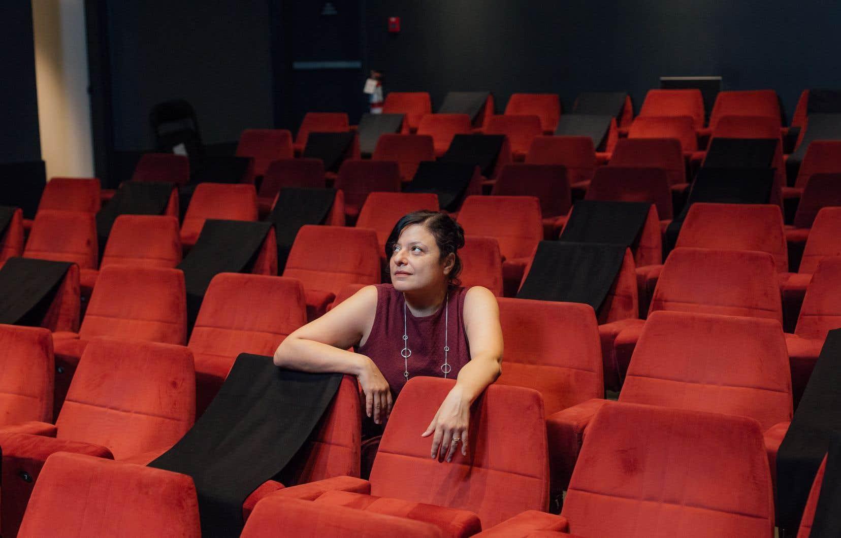 Pour l'écrivaine Mélikah Abdelmoumen, les  débats sur les questions d'identité sont toujours plus compliqués que ce qu'on pense.