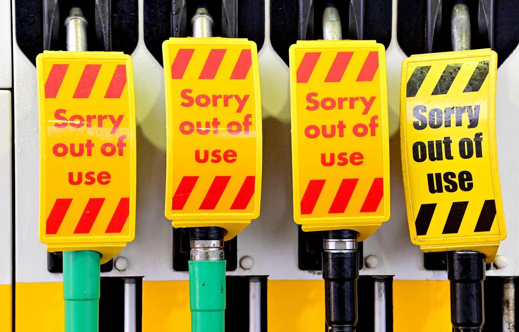Le manque de camionneurs est particulièrement visible au Royaume-Uni, où des images d'étagères vides dans les supermarchés et de pompes à essence vides ont récemment circulé.