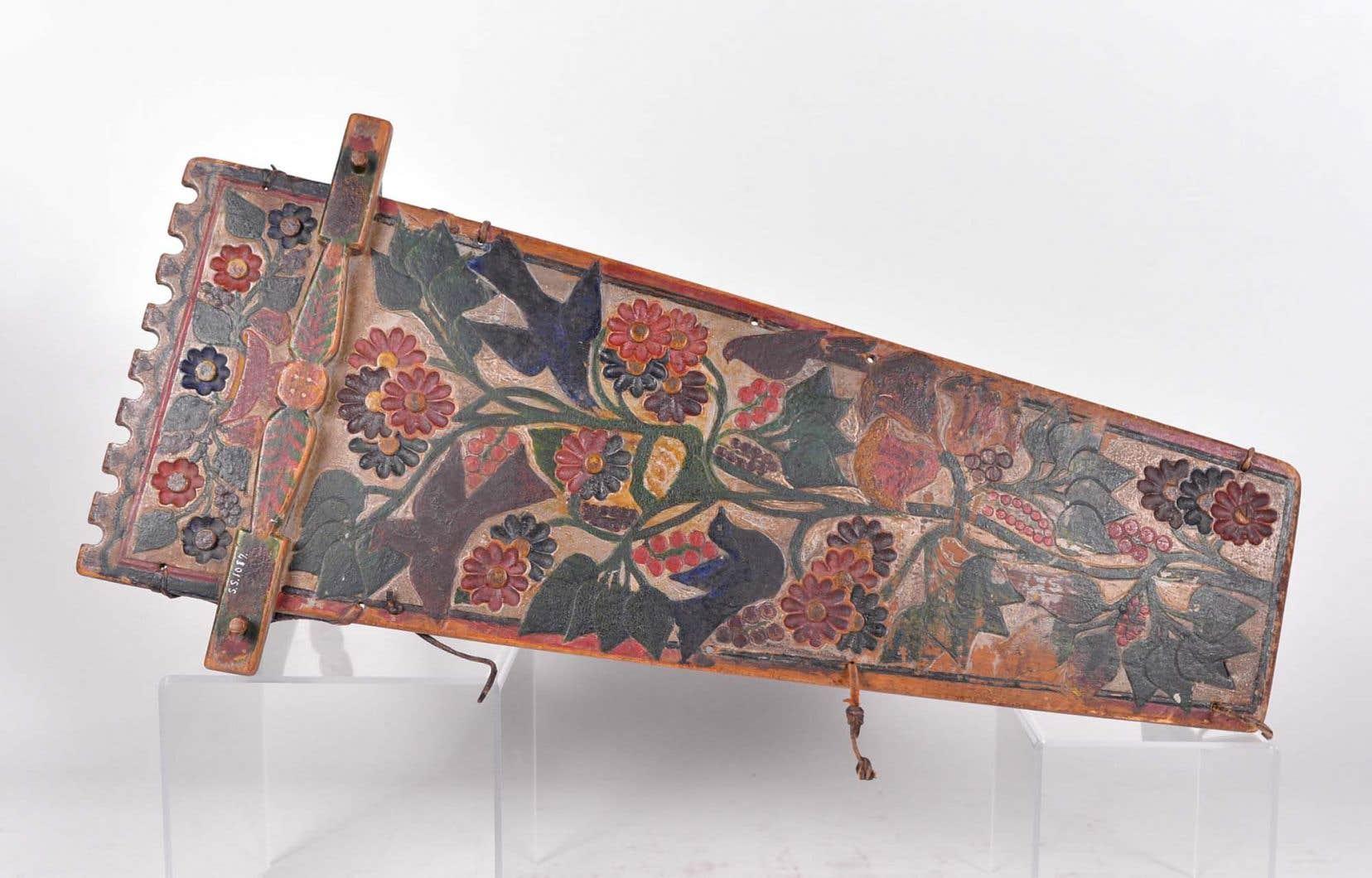 Un tikinagan datant de 1903,  en excellent état.