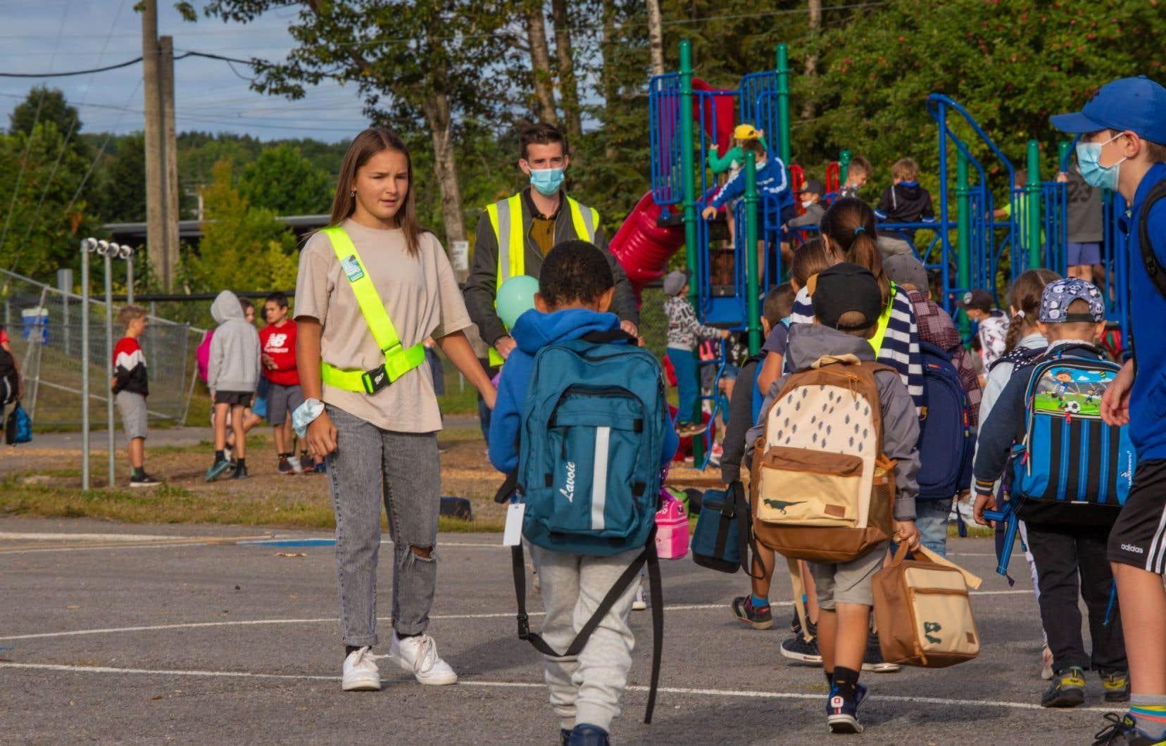 Le programme de brigade scolaire de CAA-Québec existe au Canada depuis près d'un siècle.