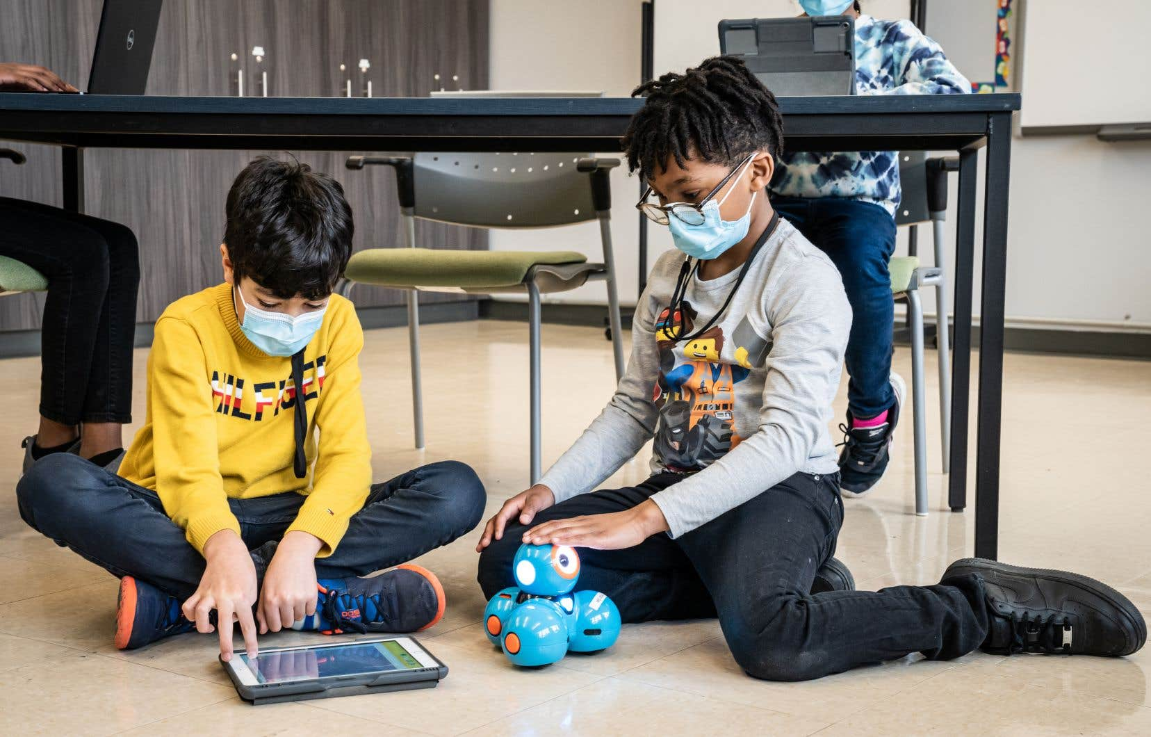 Grâce à une bourse de Best Buy Canada, l'établissement a pu acheter des tablettes et ordinateurs portables pour son tout nouveau local technopédagogique.