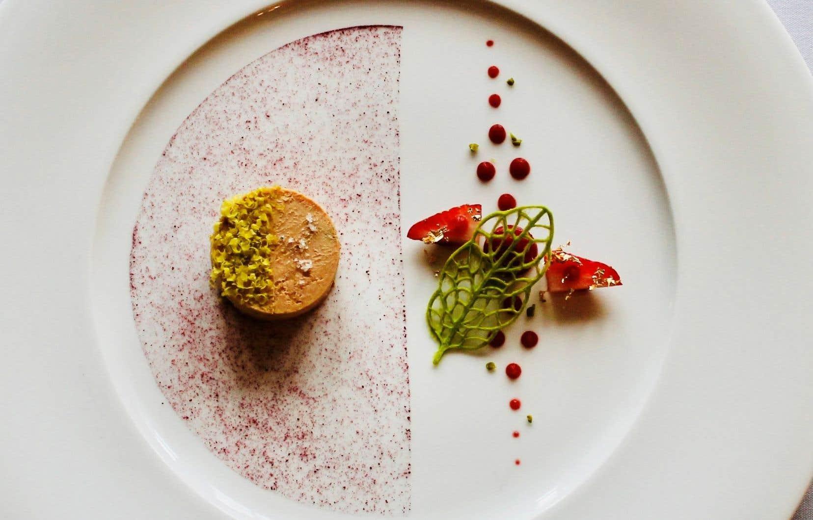 Un foie gras préparé par le chef Éric Gonzalez, qui dirige depuis un an les cuisines du luxueux Manoir StoneHaven, à Sainte-Agathe.
