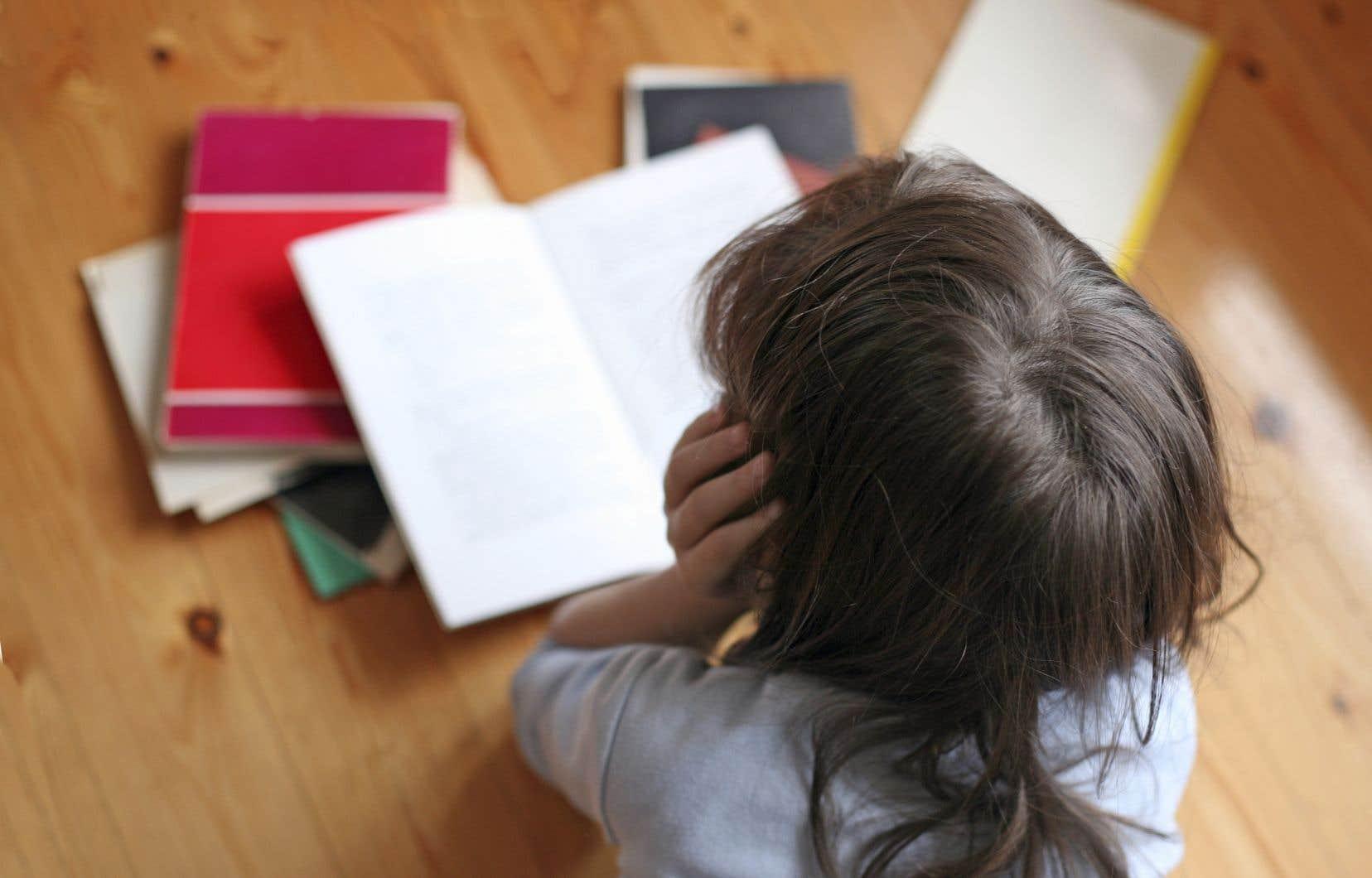 Les élèves ayant des besoins particuliers, leurs profs et leurs parents ressentent toutefois durement le manque de services d'accompagnement, encore plus avec les perturbations dues à la pandémie.