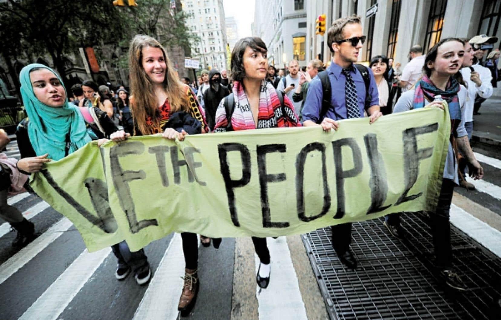 Après un mois de manifestations, le mouvement Occupy Wall Street ne démontre encore aucun signe d'essoufflement.<br />