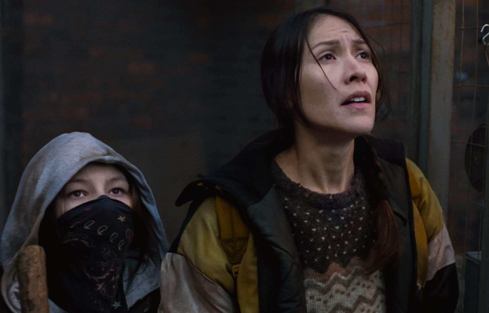 Très tôt dans le processus d'écriture, les deux héroïnes, la fille Waseese (Brooklyn Letexier-Hart) et sa mère Niska (Elle-Máijá Tailfeathers), prirent forme, avant même l'histoire en fait, révèle le cinéaste Danis Goulet.