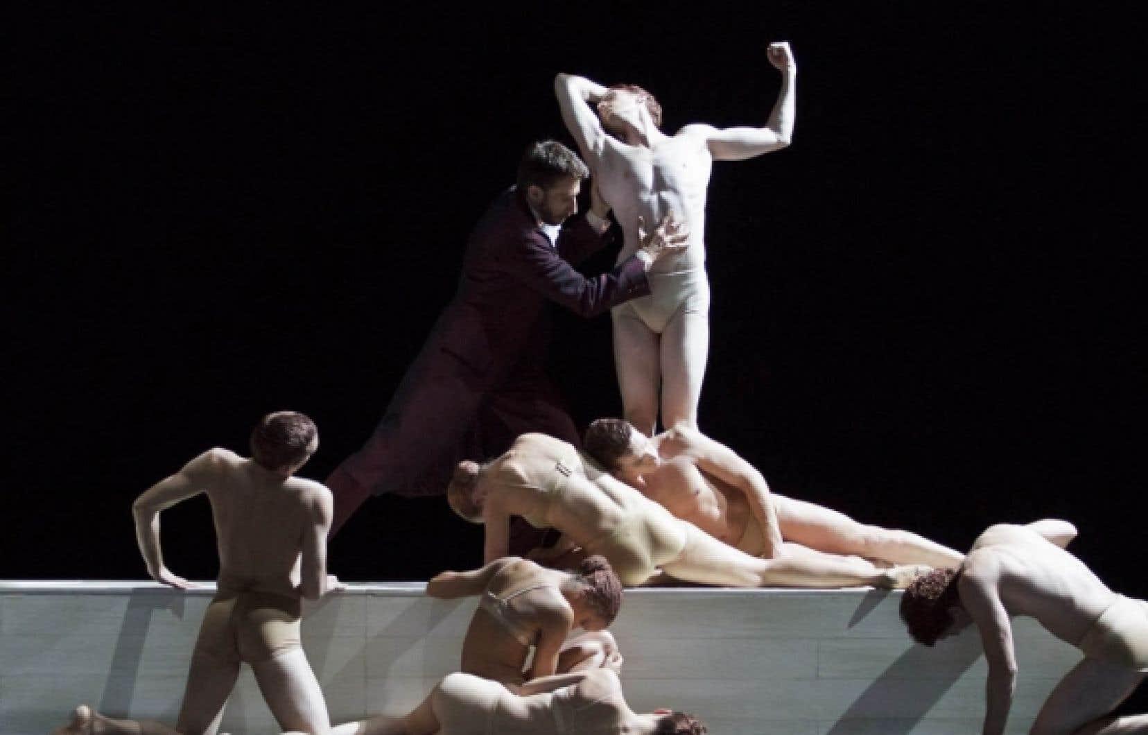 Une scène de Rodin/Claudel, le nouveau spectacle des Grands Ballets canadiens de Montréal<br />