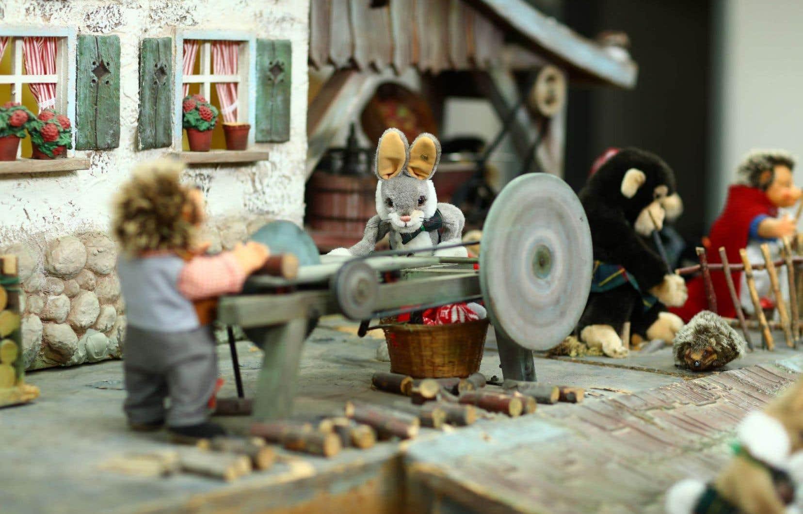 En 2018, la maison Ogilvy a légué ses traditionnels personnages mécaniques des vitrines des Fêtes au Musée McCord.