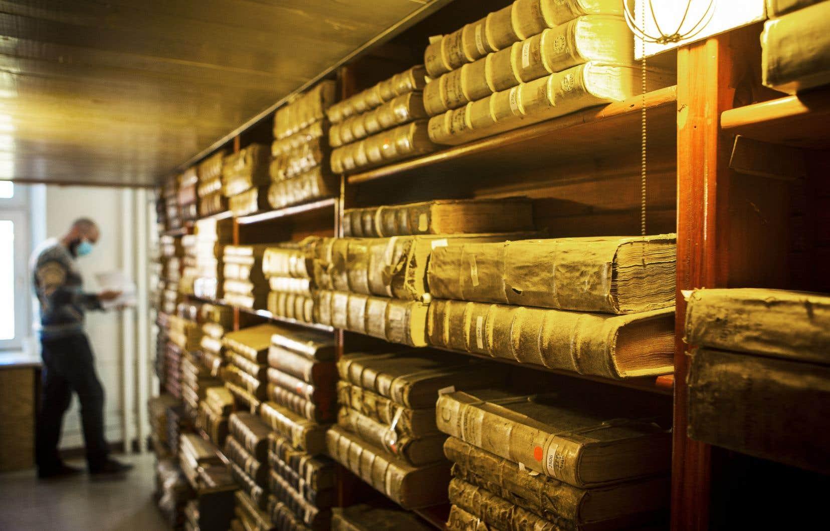 Le centre des livres rares de l'UQAM met la main sur environ 700 titres conservés durant des siècles. Ces ouvrages se trouvaient, jusqu'à cette semaine, dans la bibliothèque du couvent franciscain de Montréal.