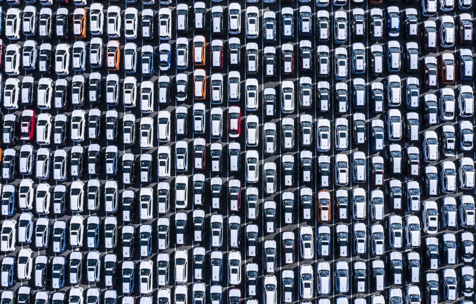 «Il faudra un jour comprendre que pour se débarrasser du piège dans lequel nous nous trouvons, il faudra se débarrasser de la cause de son existence: l'automobile», écrit l'auteur