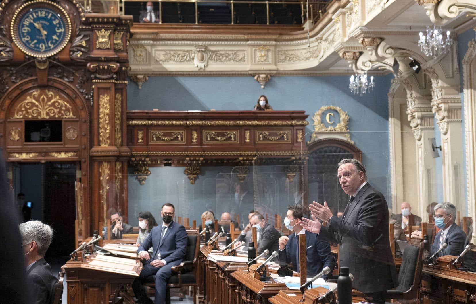 François Legault demandera la prorogation du parlement la semaine prochaine et prononcera un discours d'ouverture le 19 octobre pour présenter les nouvelles priorités du gouvernement.
