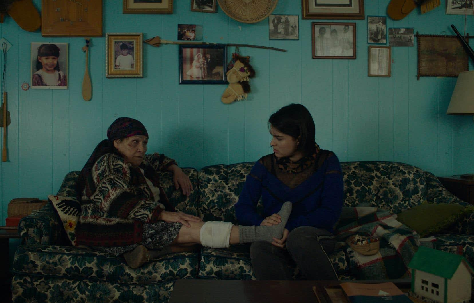Joséphine Bacon et Devery Jacobs dans «Bootlegger» de Caroline Monnet