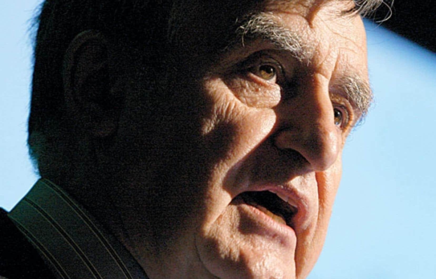 Lucien Bouchard a prononcé un discours devant l'Association pétrolière et gazière du Québec, dont il est le président. «Le rejet à l'aveugle n'est pas une solution», a-t-il dit à propos des gaz de schiste.<br />