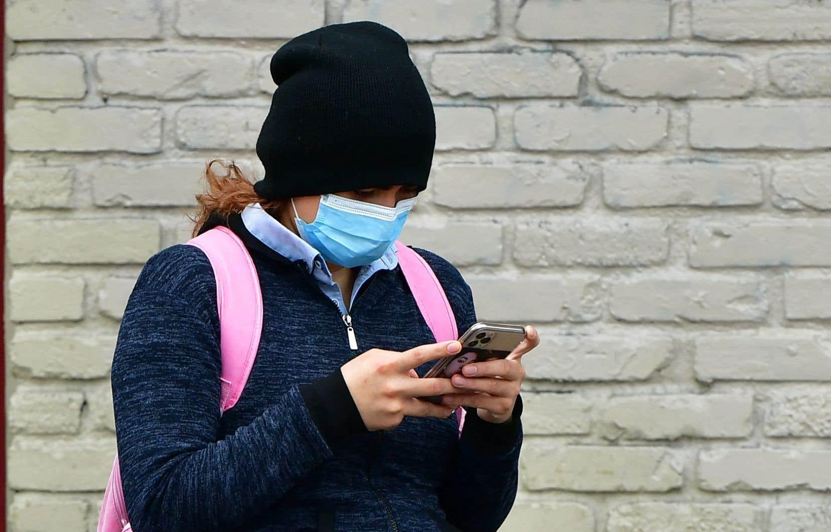 «Si l'on considère que plus de 95% des adolescents utilisent une plateforme de médias sociaux et peuvent passer plus de sept heures par jour en ligne, l'accent mis sur le poids corporel sur les médias sociaux, surtout pendant la pandémie, est source de problèmes», écrivent les auteurs.