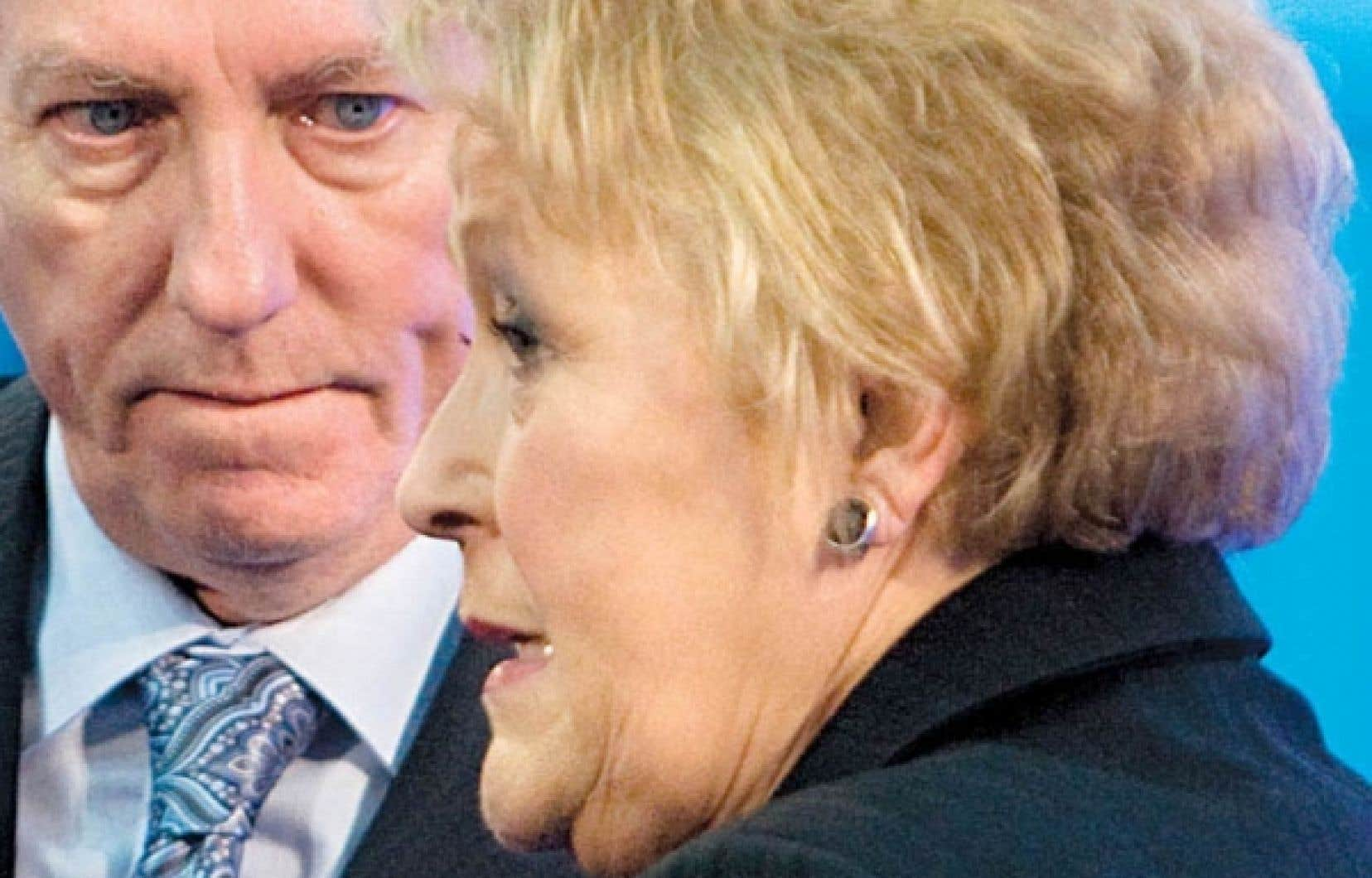 Alors en compagnie de Gilles Duceppe, la chef du Parti québécois, Pauline Marois, apprenait, le 16 avril dernier, que 93 % des membres de son parti appuyaient son leadership.