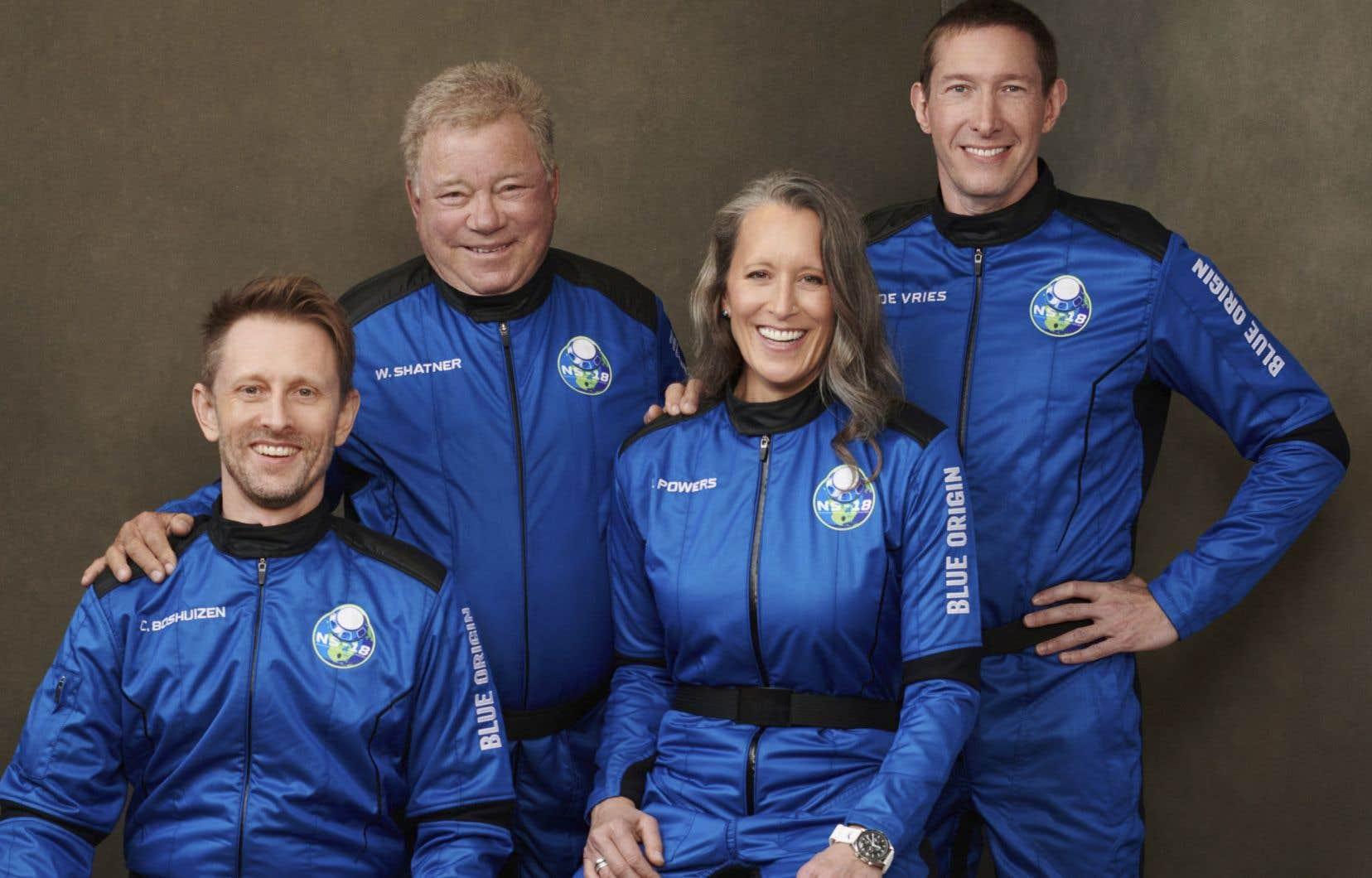 Les passagers de lafusée «New Shepard» mercredi, soit Chris Boshuizen, William Shatner, Audrey Powers et Glen de Vries (de gauche à droite)