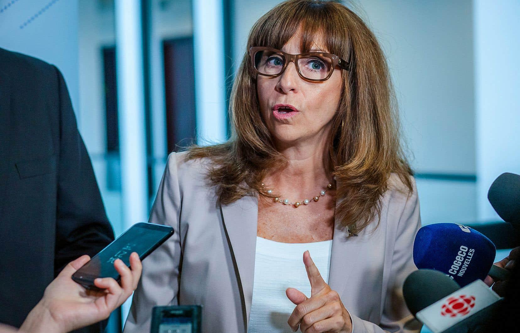 Les dirigeants du CQT ont écrit mardi à NathalieRoy pour exprimer l'inconfort provoqué par ses propos erronés prononcés au Salon bleu jeudi.