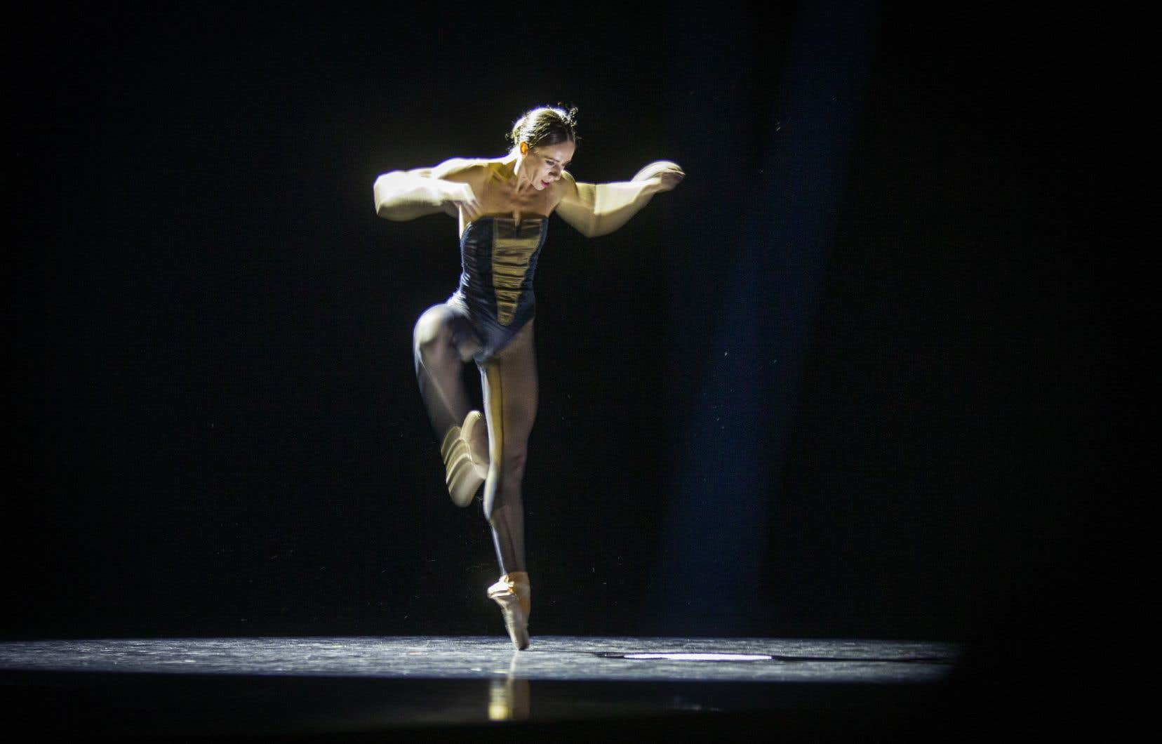 Inspiré par la première danseuse Rachele Buriassi (photo) durant la pandémie, Édouard Lock dévoilera deux premières mondiales: un film et une œuvre scénique.