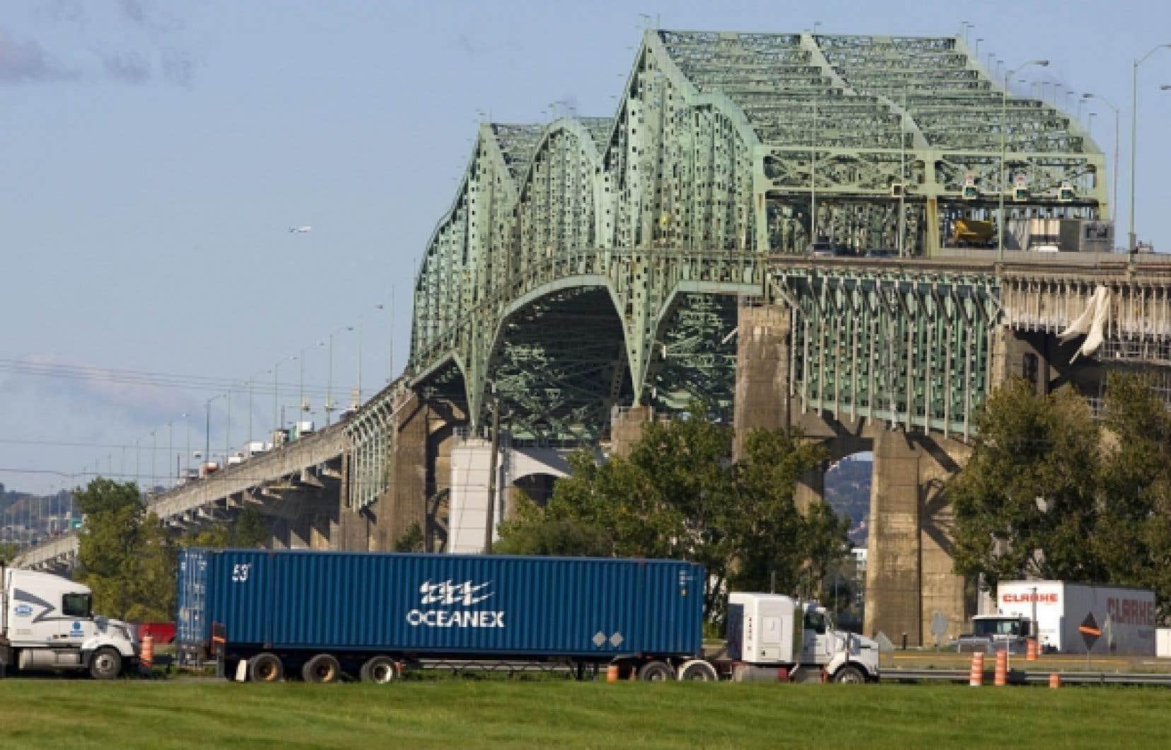 Le pont Champlain pourrait être remplacé plus rapidement selon des leaders économiques.