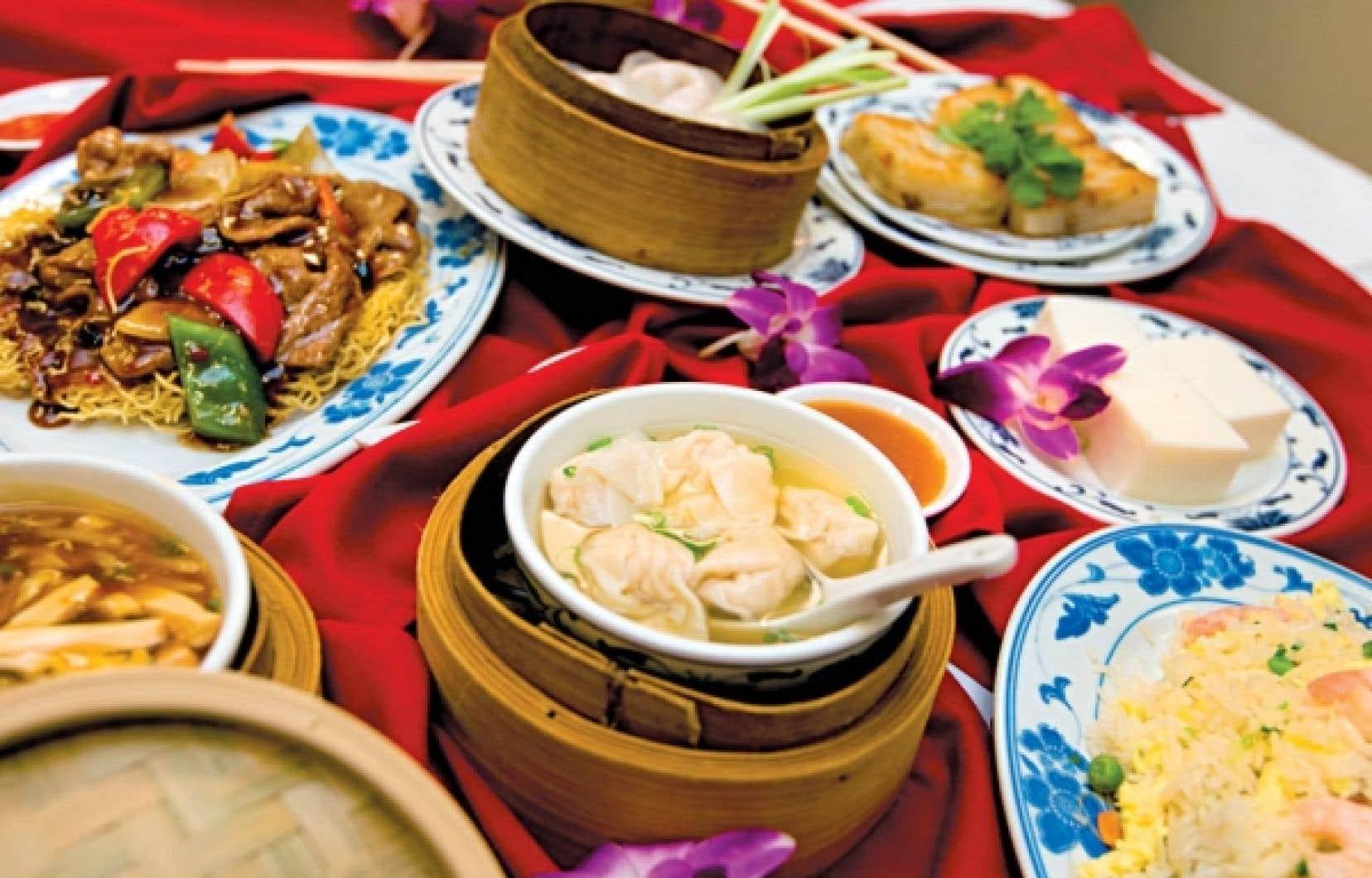 Rien n'est vraiment moche ni vraiment intime au restaurant Chez Chine de l'hôtel Holiday Inn à Montréal, où l'on vient tant pour prendre le petit-déj' ou un repas d'affaires que pour un repas de noces.<br />