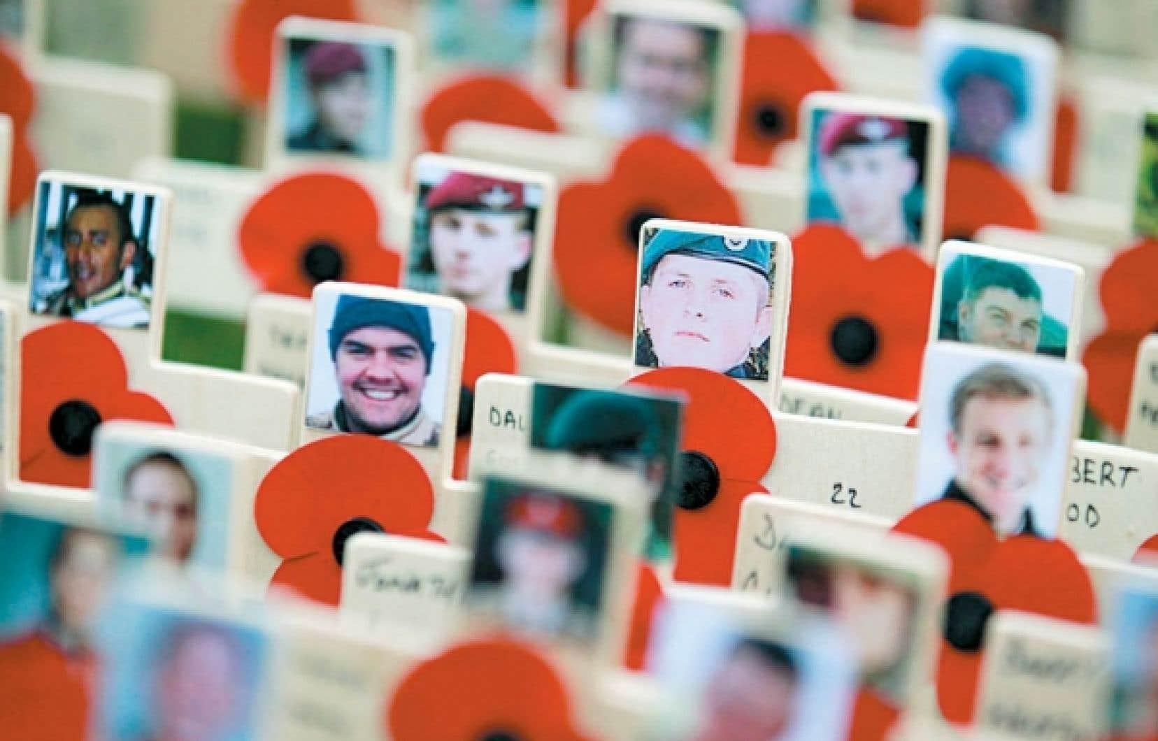 Comme ici à Londres, partout en Occident, à l'occasion du jour du Souvenir, nous célébrons aujourd'hui le courage des hommes morts au combat. Il serait aussi pertinent, affirme l'auteure, de se souvenir des civils victimes des guerres passées et actuelles, principalement des femmes et des enfants.