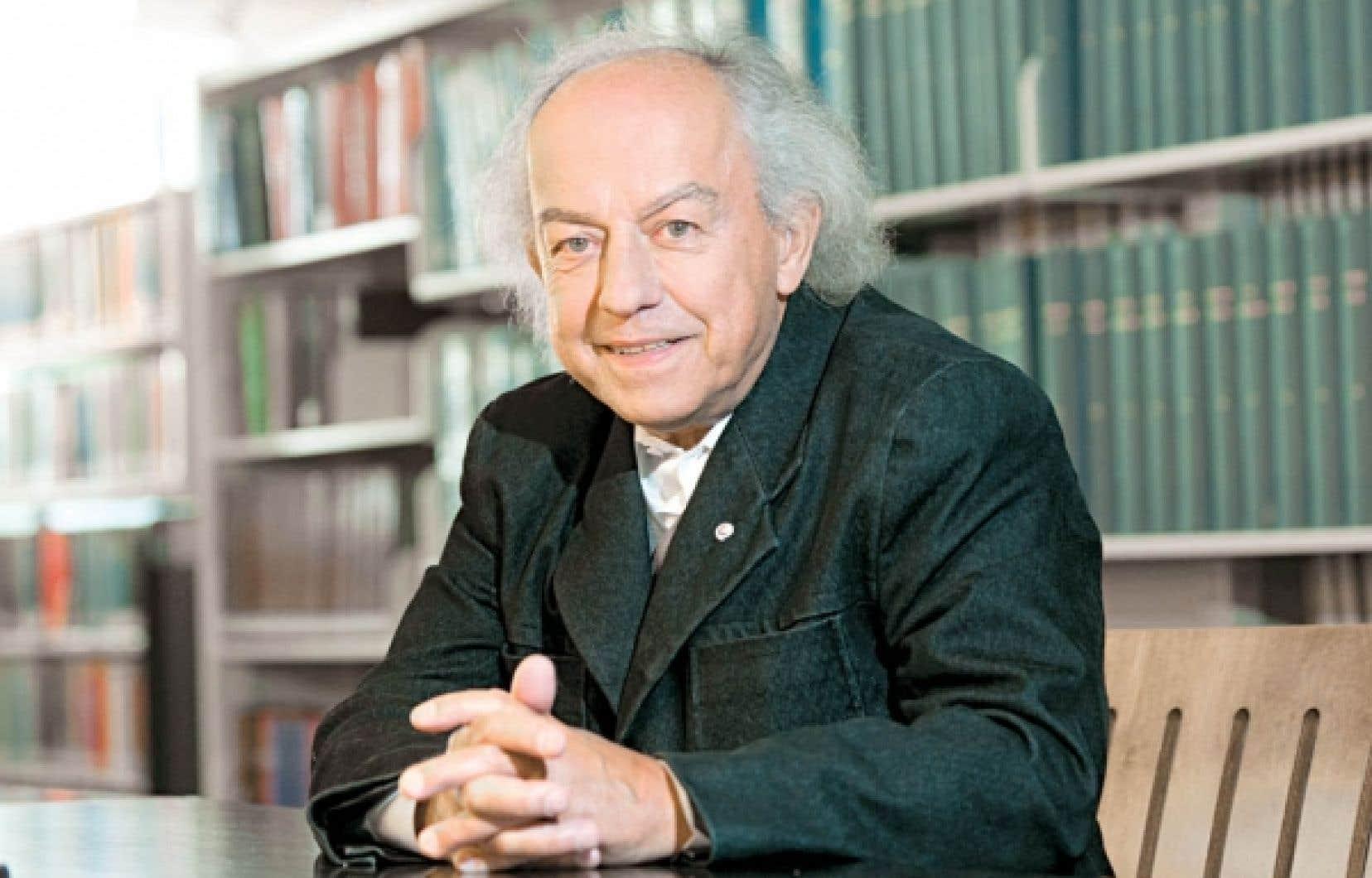Jean Provencher aura publié presque une trentaine de livres, seul ou avec d'autres.