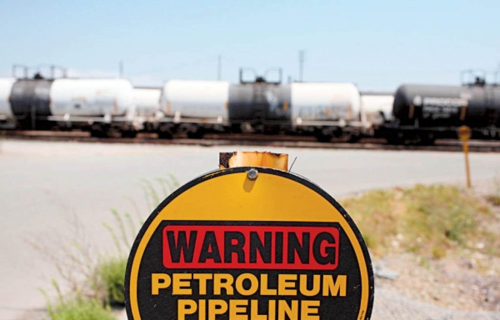 Colonial Pipeline est présenté comme le plus important pipeline de produits pétroliers raffinés aux États-Unis.