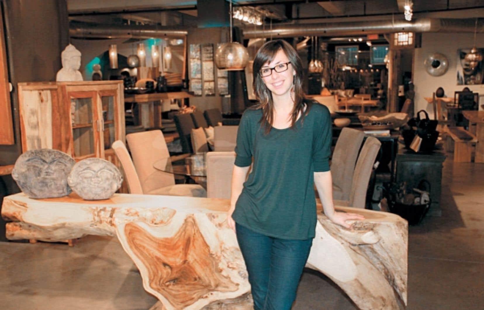 Boutiques la nature sauvage de l 39 asie se fait meuble le devoir - La boutique du meuble peint ...