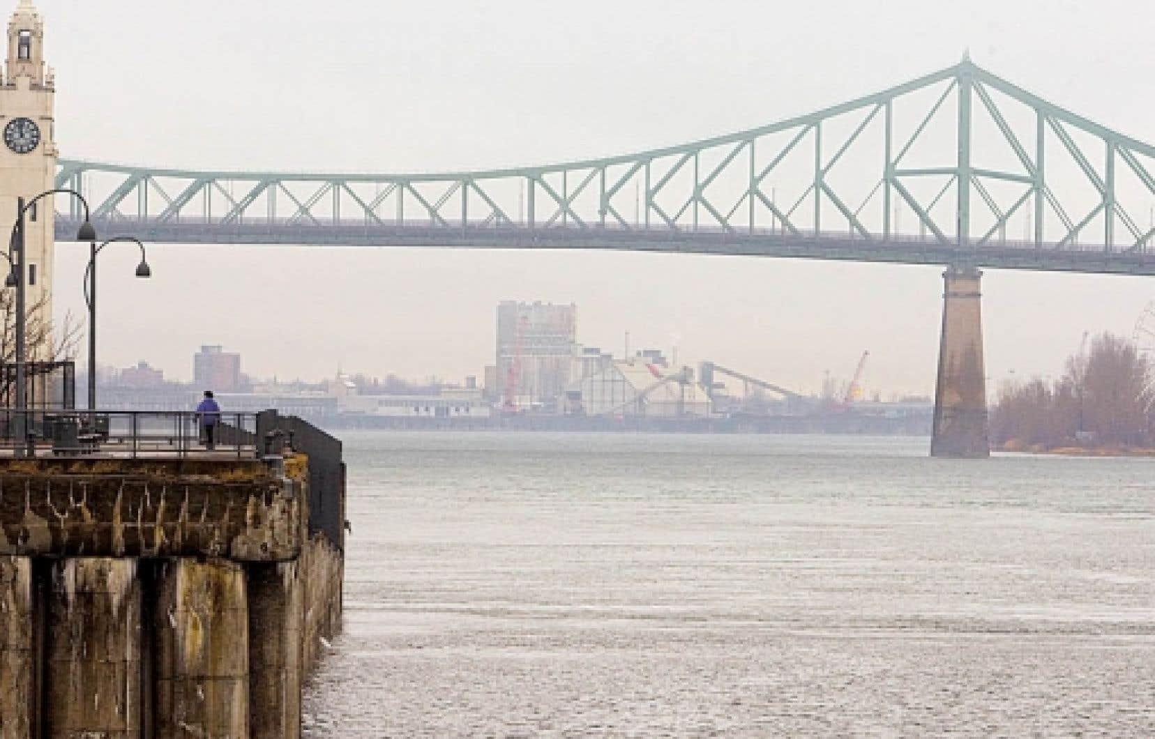 Le plan visant à nettoyer le fleuve Saint-Laurent a été reconduit pour 15 ans.