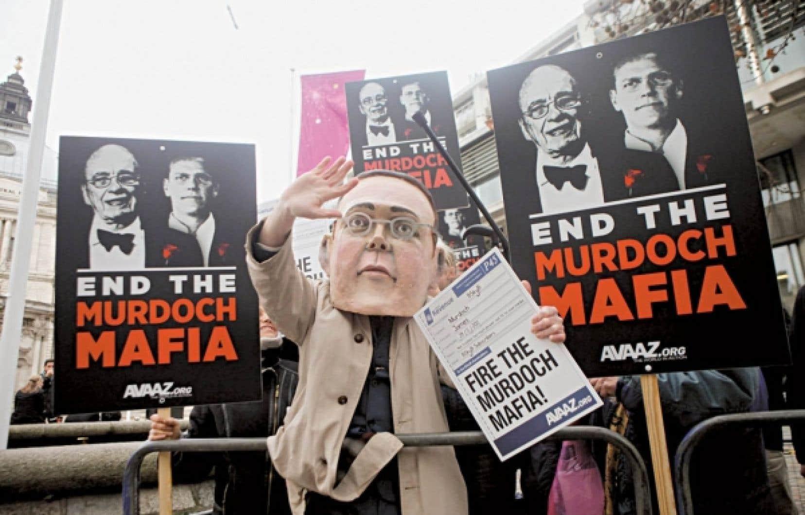 Manifestation anti-Murdoch dans les rues de Londres<br />