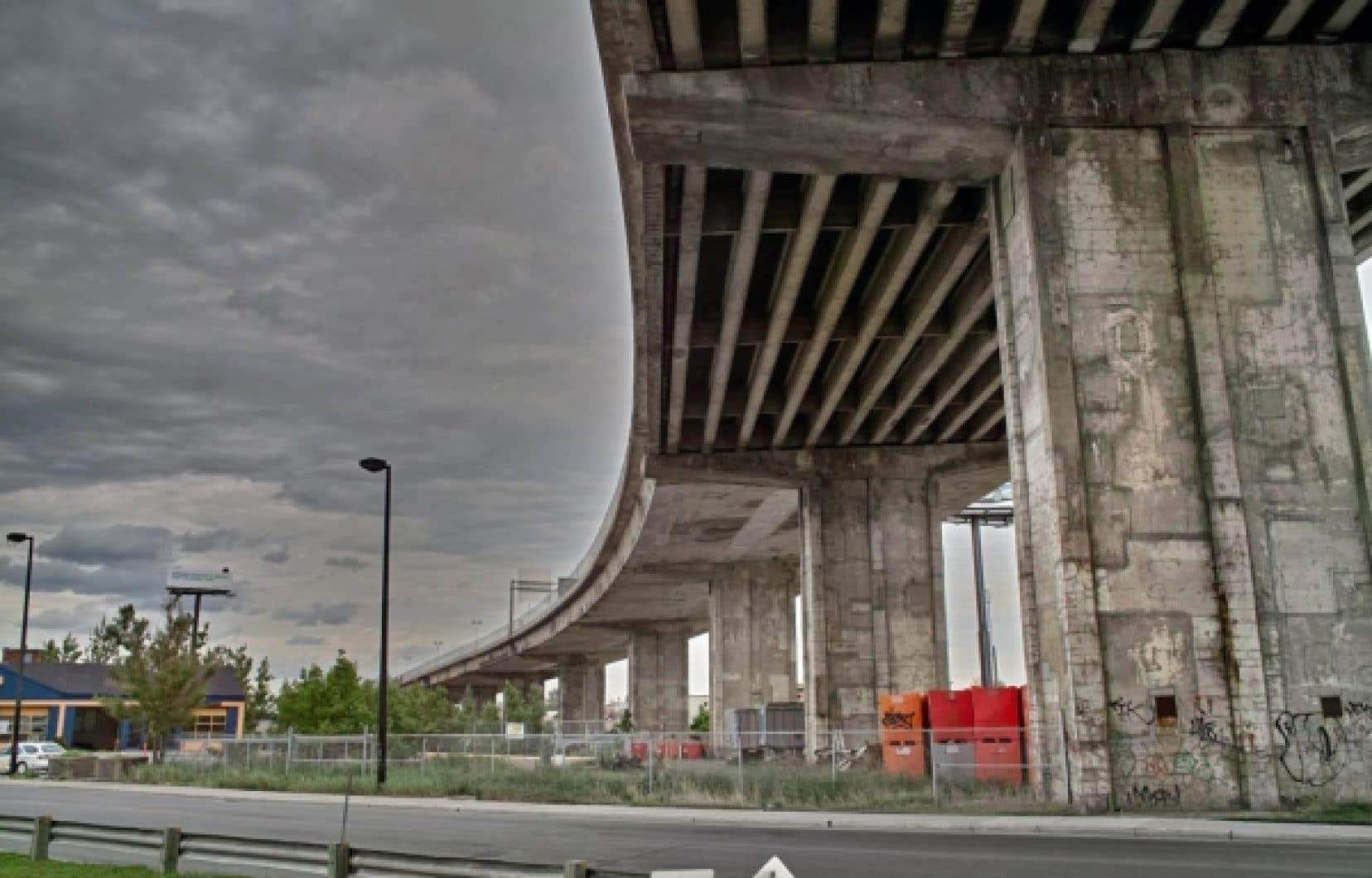 Le gouvernement du Québec réitère la décision gouvernementale de réaliser ce projet en mode conception-construction (design-build), soit le même chemin emprunté il y a 50 ans pour construire le pont Champlain.